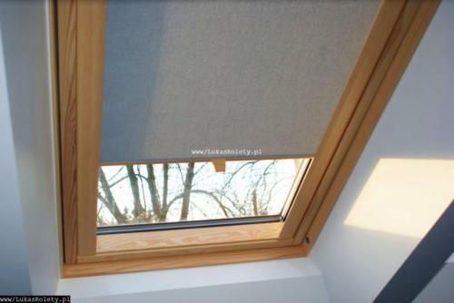 Galeria rolety na okna dachowe dekolux 012