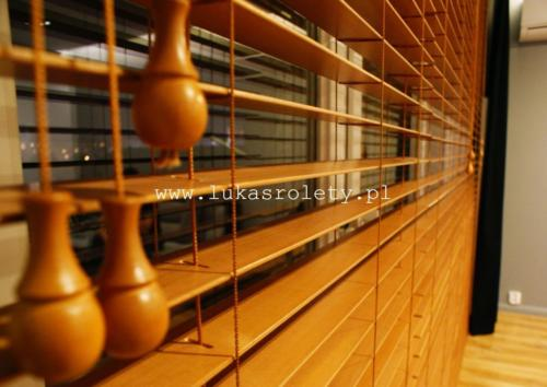 Galeria zaluzje drewniane 50mm 009