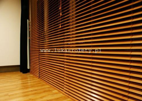 Galeria zaluzje drewniane 50mm 014