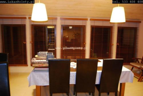 Galeria zaluzje drewniane 50mm 036