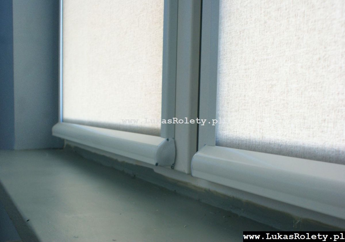Galeria-rolety-od-dolu-b11-03