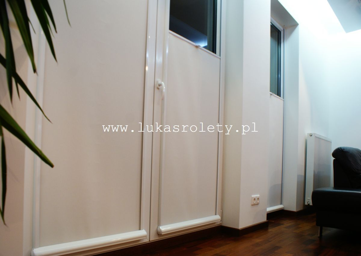 Galeria-rolety-od-dolu-b11-32