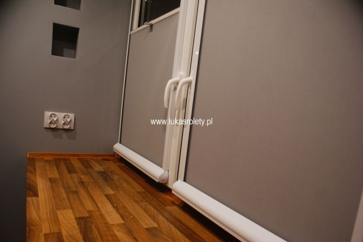 Galeria-rolety-od-dolu-b11-47