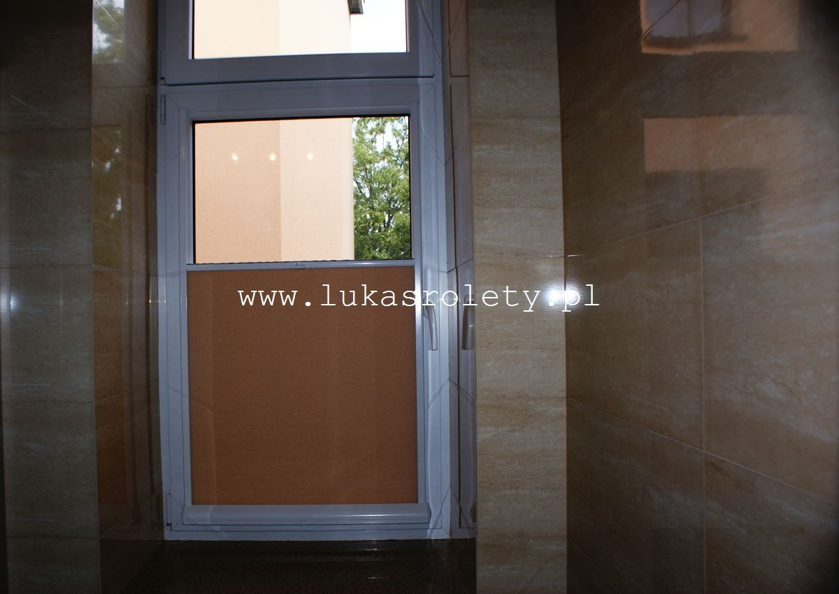 Galeria-rolety-od-dolu-b11-62