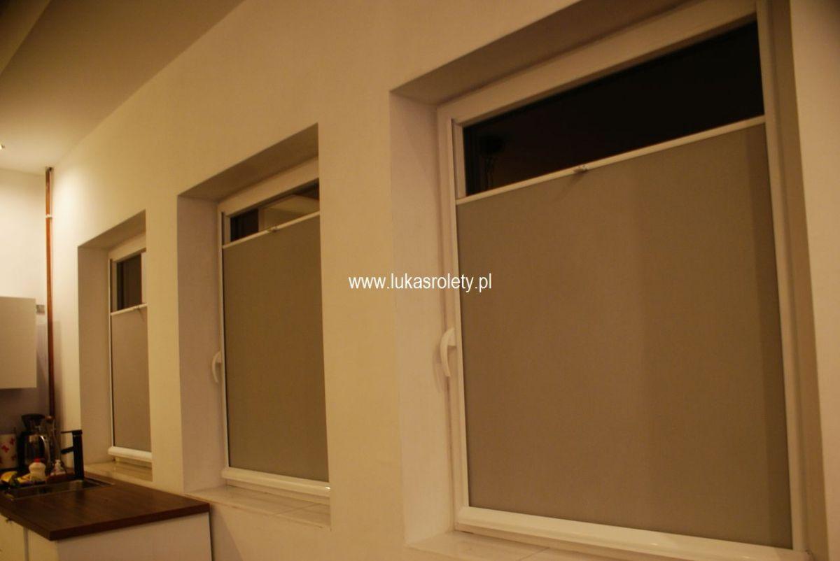 Galeria-rolety-od-dolu-b11-78