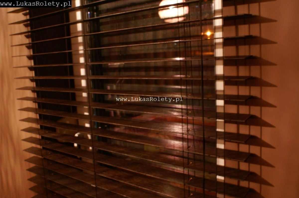 Galeria-zaluzje-drewniane-50mm-034