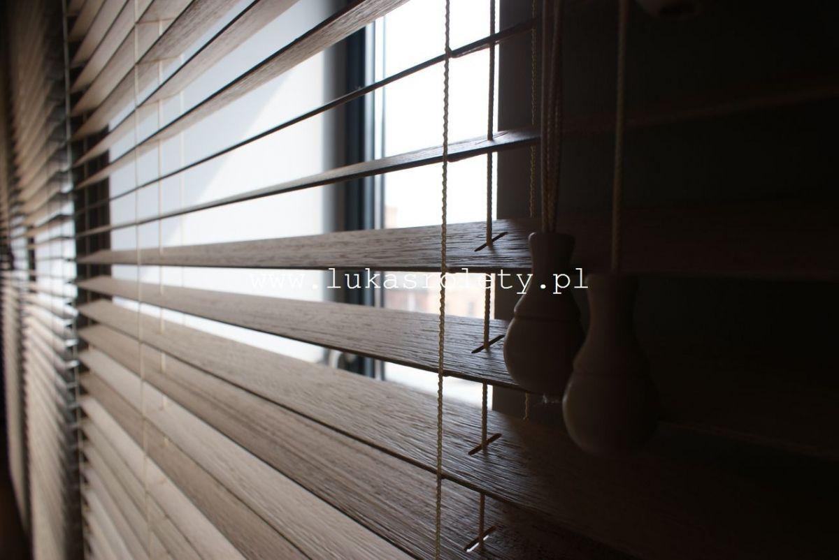 Galeria-zaluzje-drewniane-50mm-059