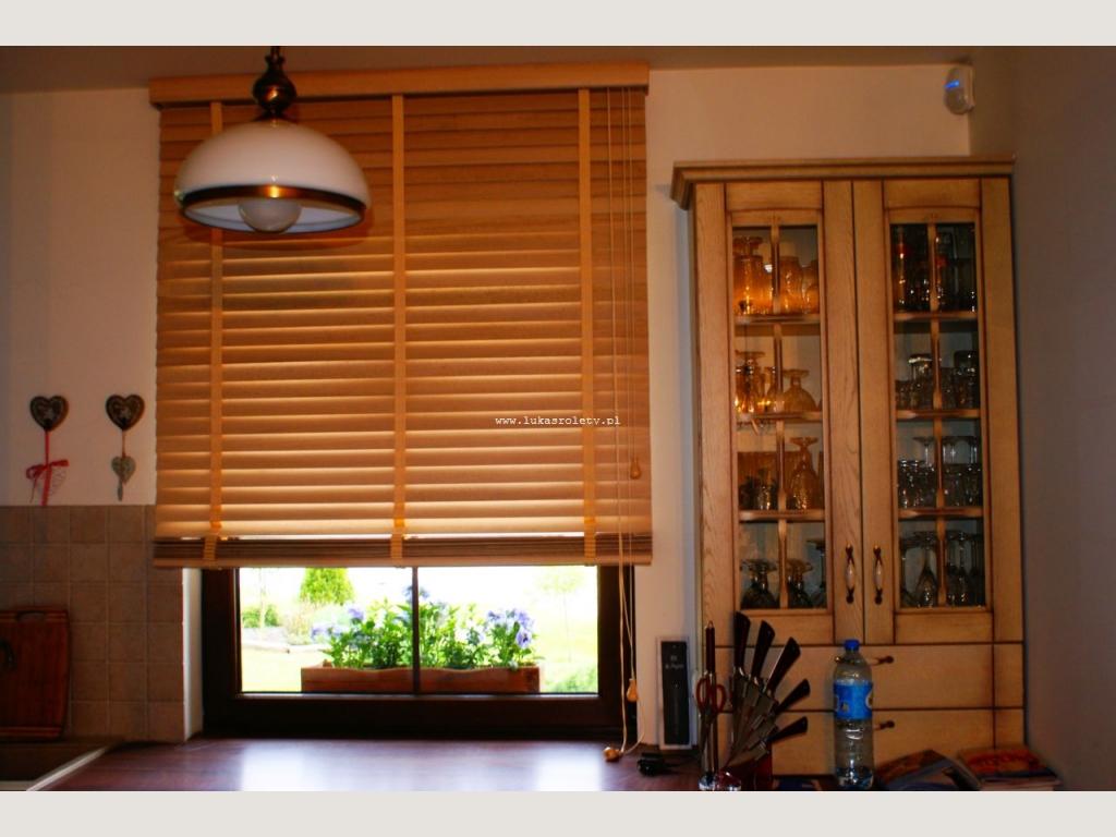 galeria żaluzje drewniane 50 mm drewno 301