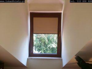 Rolety w kasecie są montowane bezpośrednio do okna.