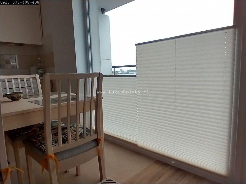 2 żaluzje na 1 oknie
